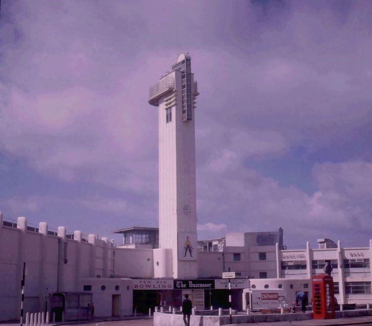 Lee-on-Solent's former Art Deco tower on its pier. Sadly this iconic building was demolished in the 1960s/70s.