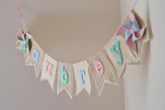 Neutrale Pastel Pinwheel / Mint Blue Pink voelde / Baby naam Banner / verjaardag Baby douche Decor / andere kleuren beschikbaar / Custom Party Banner