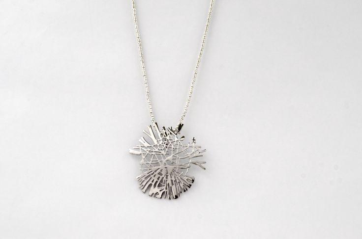 Colgante de la colección Mikado plata hecho artesanalmente. / Handcrafted pendant collection Mikado silver.