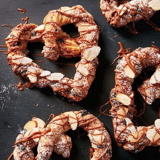Chocolate-almond cretzels
