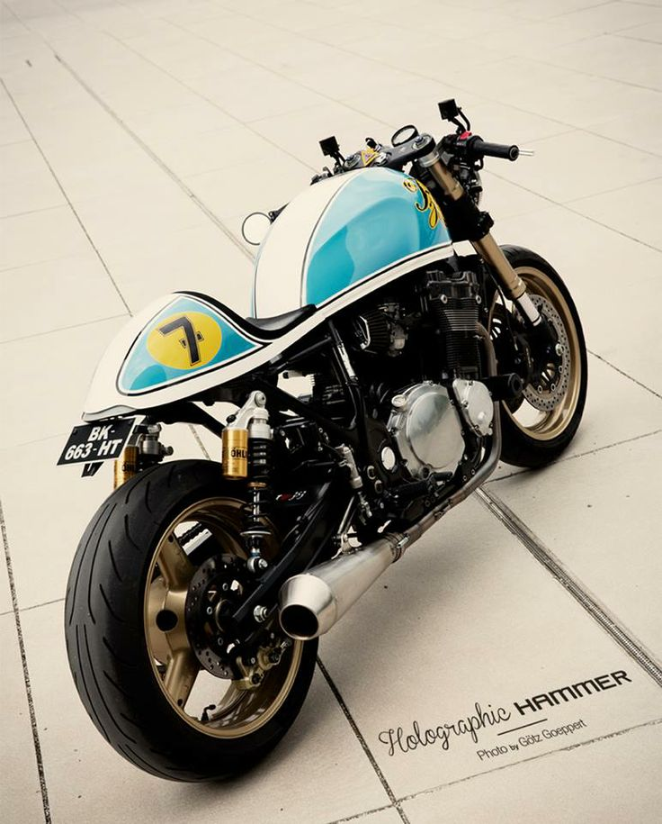 Holographic Hammer's Suzuki Inazuma Cafe Racer