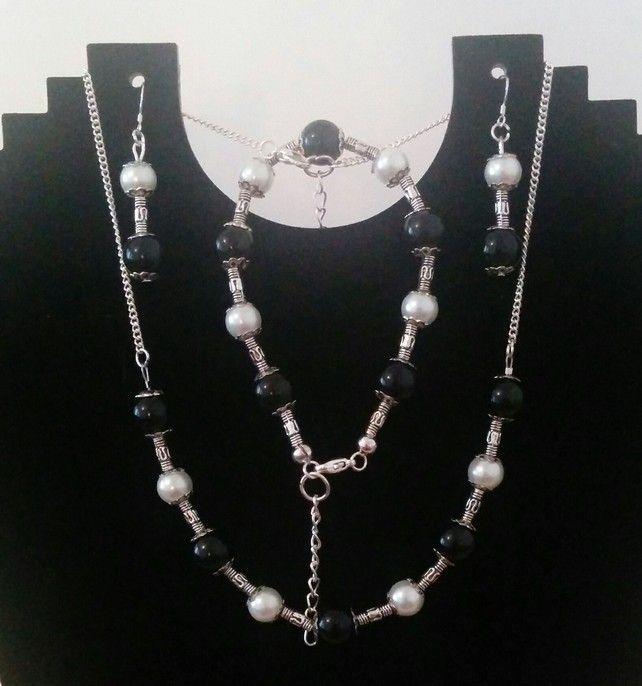 Black & White Jewellery Set £10.99