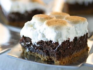 How to Make S'mores Brownies | College Gloss