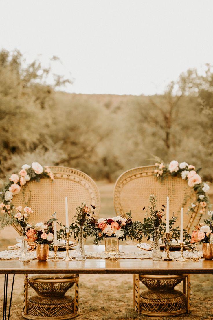 romantic boho inspired wedding table decor #sweethearttable #weddinginspo #weddingplanning #bohowedding