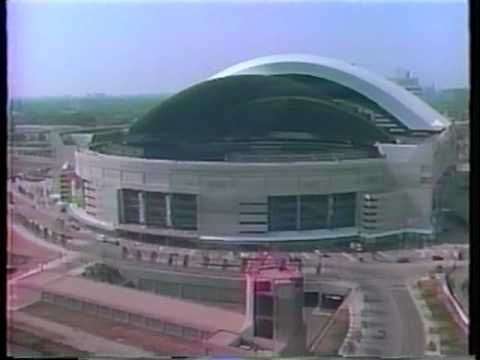 Time-lapse video of the construction of the world's first retractable roof sport's stadium. Located in Toronto, Ontario, it was originally called the SkyDom, now called Rogers Centre. The Rogers Centre hosts the Toronto Blue Jays.
