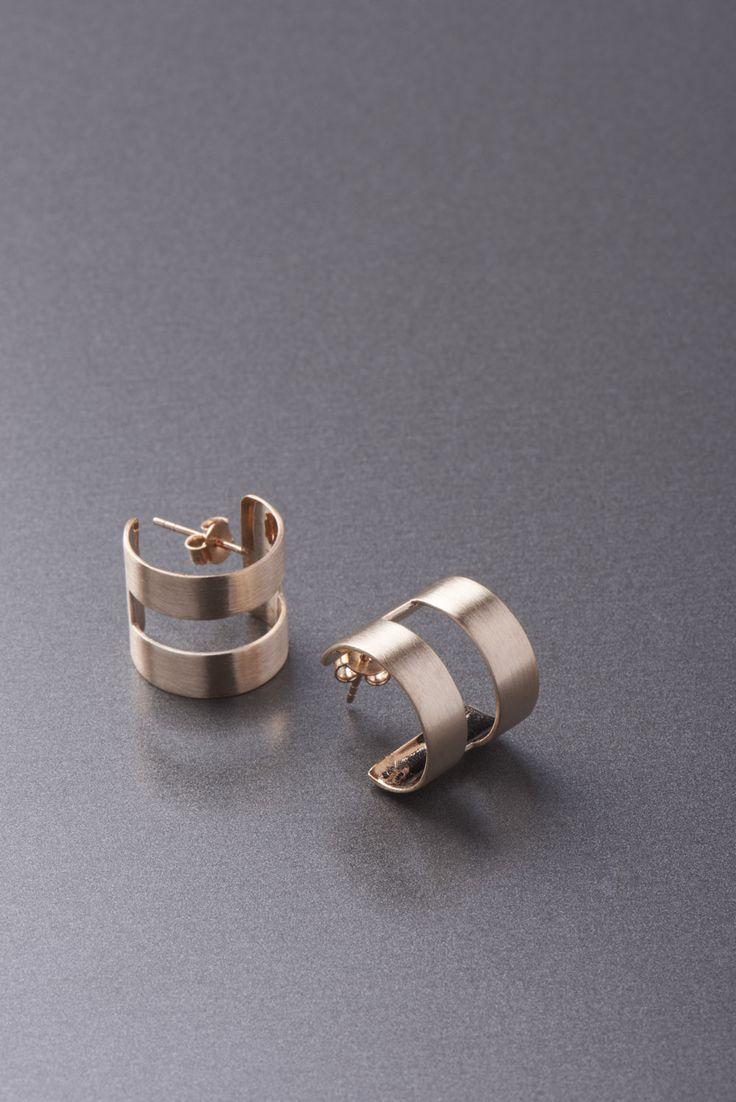 band earring - modern and elegant rose gold earring