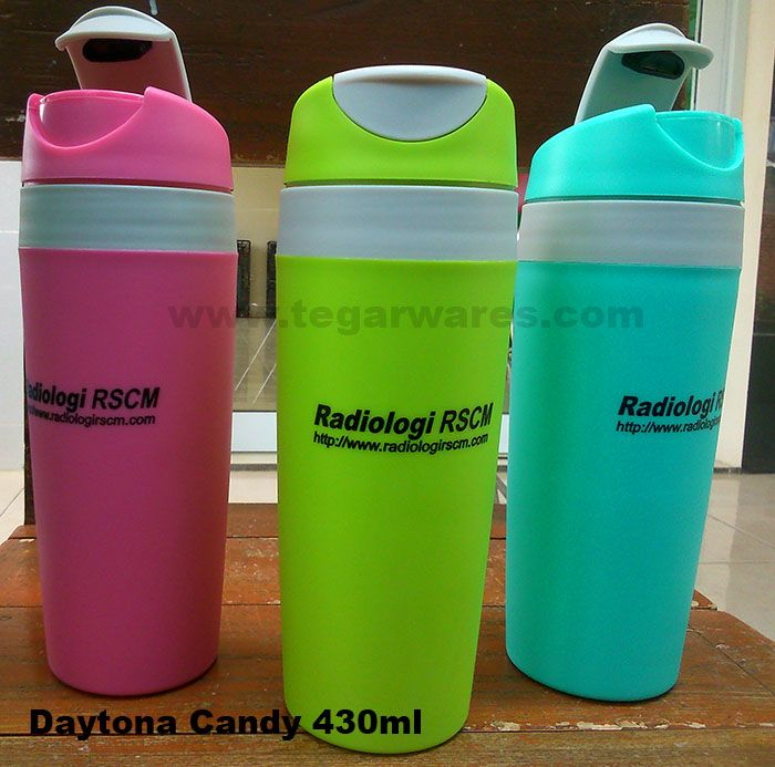 Plastic tumbler promosi tipe Daytona Candy: Product size: 21cm x 7.5cm x 6.5cm capacity 430ml. Suitable for hospital merchandise or beauty clinic. As shown above a Daytona Candy ordered by