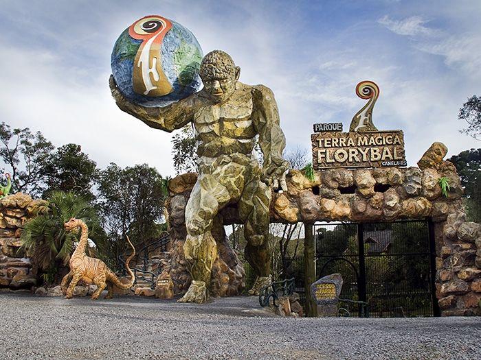 Parque Terra Mágica Florybal: Diversão e aventura para toda a família Rodovia RS 466, Km 5, 1630, Estrada do Caracol – Canela  (54) 3282-5050 / www.parqueterramagicaflorybal.com.br. ** Desconto de 10% no ingresso com o cartão Hóspede VIP **