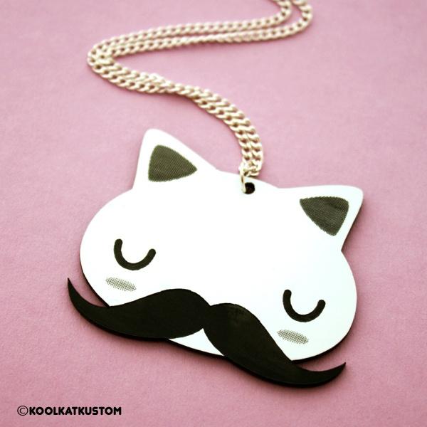 Kool Kat! ♥    Den guten alten Earl gibt es jetzt endlich auch als Halskette!    Denn Katzen mit Schnurrbärten sind einfach die koolsten ^^