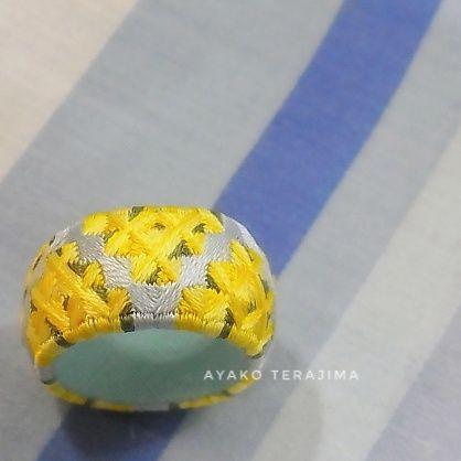 3月8日はミモザの日。 ということで・・・入道雲アレンジのミモザを作りました。 ...