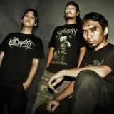 Death Vomit adalah salah satu grup band asal Yogyakarta yang terbentuk pada pertengan tahun 1995. Grup band yang mengusung genre Death Metal ini pada awalnya terbentuk dari sebuah ide yang muncul dari tongkrongan anak-anak Jogja Corpse Grinder (JGD).