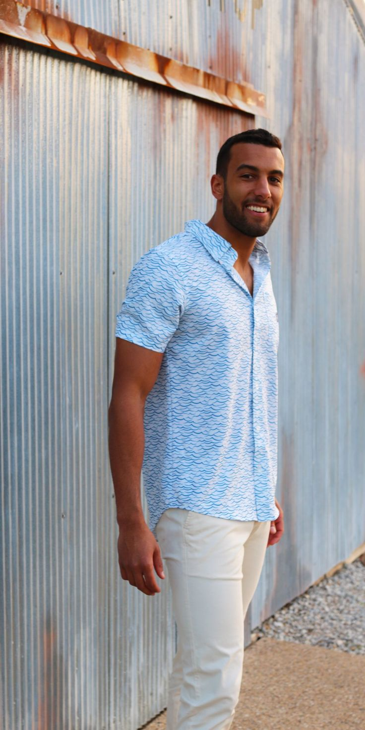 Lightweight moisture wicking fabric keeps you cool and
