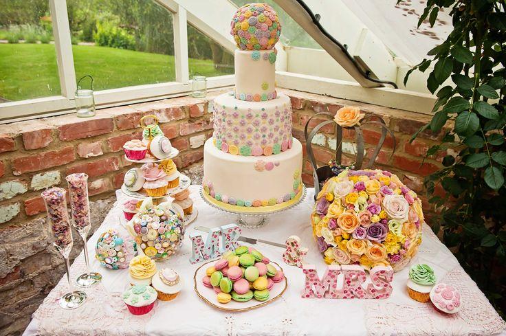 macaroons next to cake