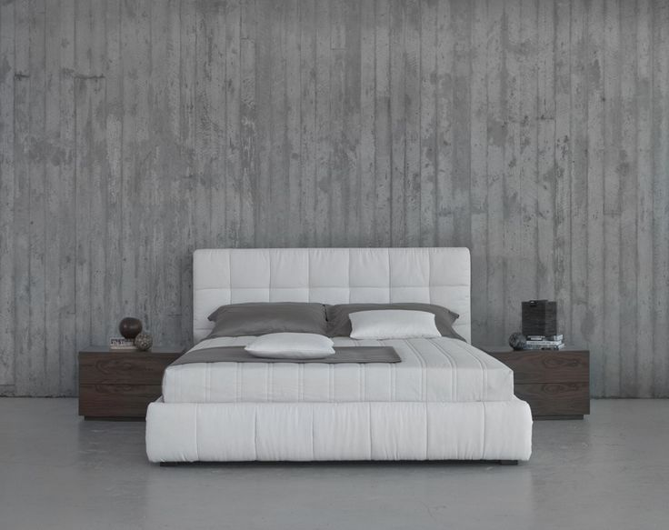 Nuvola upholstered bed