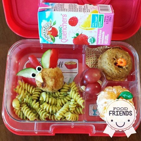 A feast fit for a lunchbox! Thanks to @jennoro for sharing this awesome lunch.  Show us your most creative #FoodFriends by sharing them with us on Facebook and Instagram (@appleandevejuice)!