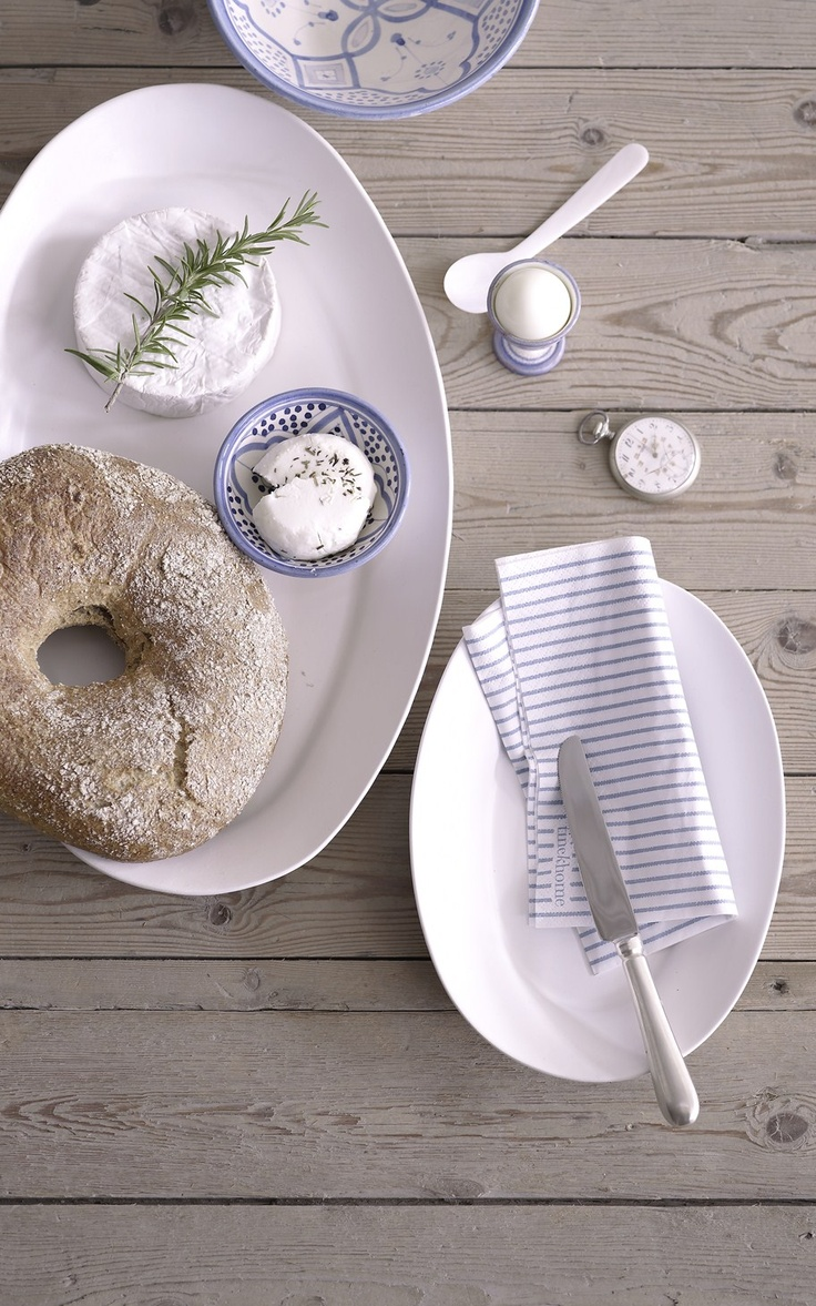 Lunch and breakfast gets a different feel with the SERV tableware from tinekhome