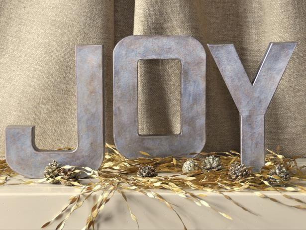 Cada vez me gustan más las letras para decorar, están muy de moda colgadas de las paredes formando palabras o colocando letras sueltas sobre...