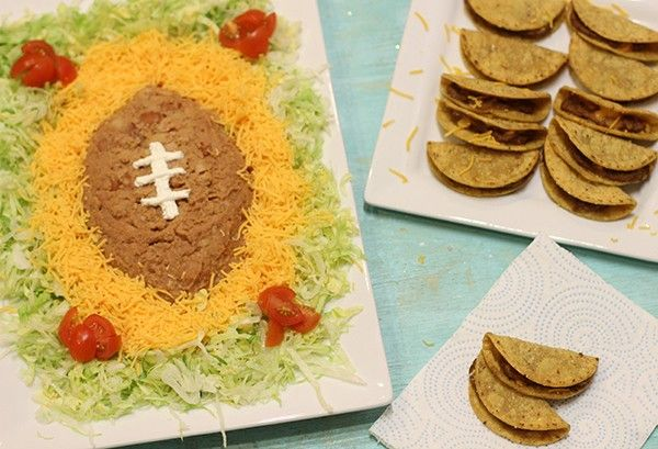 Touchdown! Easy and Delicious Game Day Grub with José Olé Mexican Snacks. Thanks to Homemaking Hacks for this great dip idea!