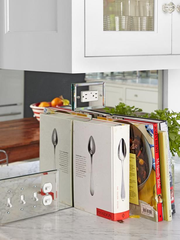 a mirrored backsplash; how cool! #hgtvmagazine http://www.hgtv.com/decorating-basics/creative-new-great-decorating-ideas/pictures/page-5.html?soc=pinterest