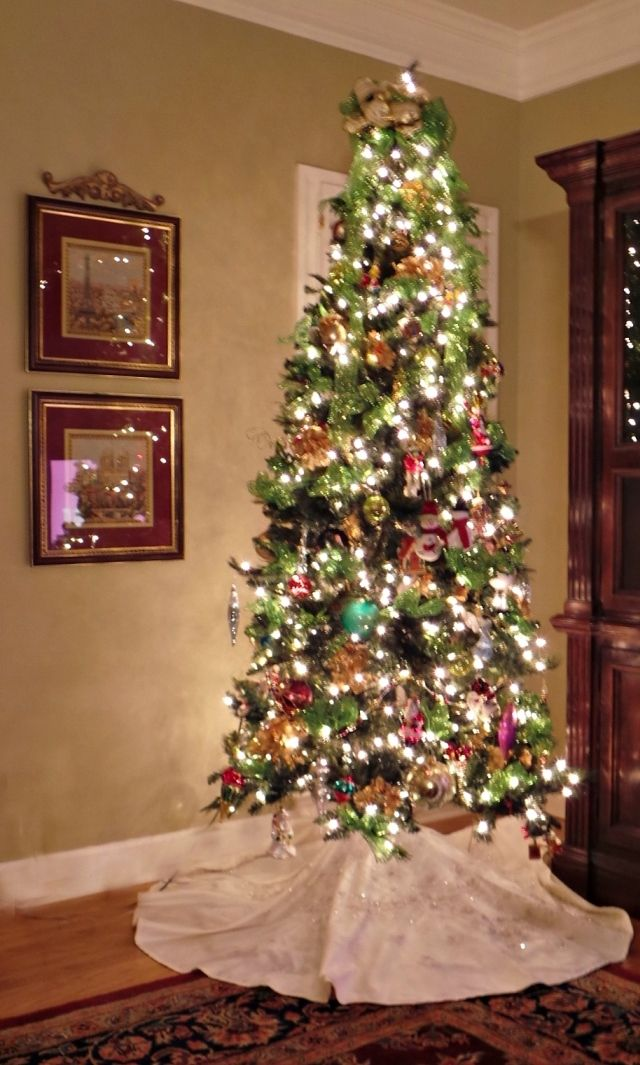 Wedding Dress Tree Skirt: Turn your Wedding Dress or an old Gown into a ChristmasTree Skirt.