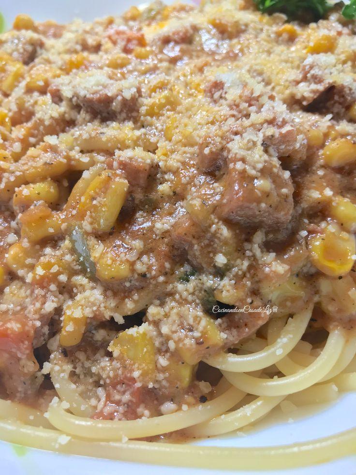 Dime ¿cuál prefieres?  -Espaguetis  -Coditos   Feliz fin de semana  . . 🇺🇸 Tell me which one you'd prefer? -Spaghetti  -Elbow Pasta Have a good weekend!  . . . . #cocinandoencasadeliz #almorzandoencasadeliz #cenandoencasadeliz #espaguetis #coditos
