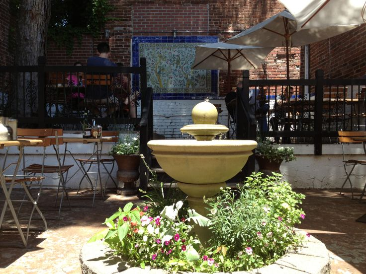 Looking for a brunch spot in DC? Try LPQ Georgetown's patio, where the sounds from this little fountain creates a soothing atmosphere!