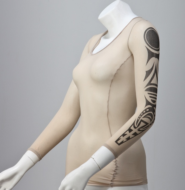 Tattoo without the permanence! Inspired by a bunch of ballet dancers and a universal love for all things beautiful, comes a product that can only be described with words such as lightweight, velvety warm and, ofcourse fashionable. Tribal Collection