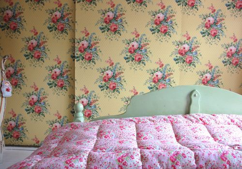 Cath quilt and sanderson wallpaper