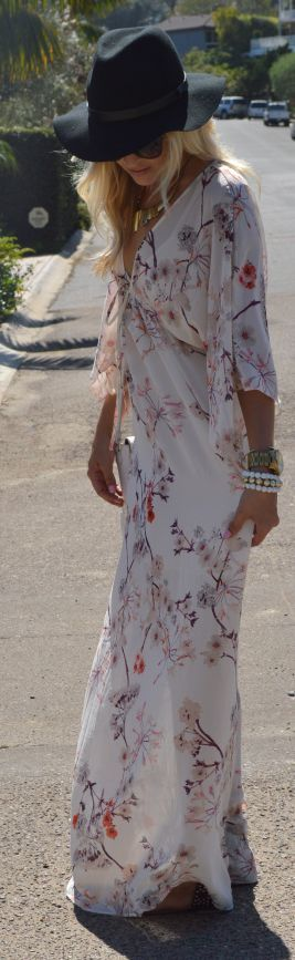 White Multi Vintage Floral Print Floor Length Maxi Dress + large hat