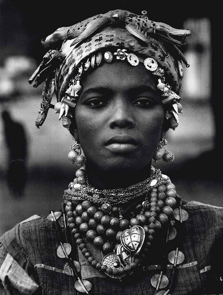 African Beauty series: Ivory Coast, 1970 Mario De Biasi