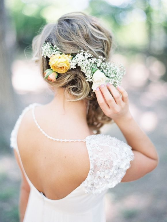Floral and baby's breath crown | http://www.michelleboydphotography.com/
