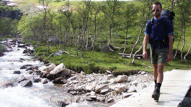 Sverige kryllar av vackra vandringsleder och du behöver inte köpa  dyr utrustning för att komma igång.