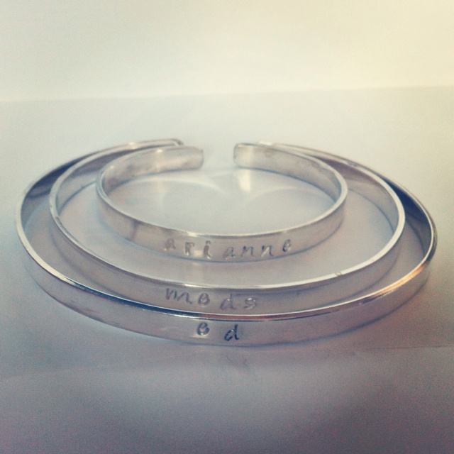 Matching personalised family bangles. #jewelry #jewellery #bangle #bespoke #craft #design #fashion #gift #uktfb #rt #ff http://pict.com/p/Zg