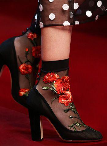 Women Fashion & Style News on Swide - The Dolce & Gabbana Luxury Magazine - Swide