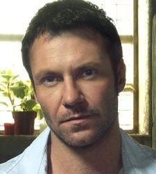 Beard or No Beard? How do you prefer actor Chris Vance? | Toluna