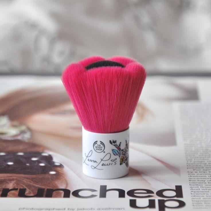 The Body Shop Leona Lewis Blusher Brush