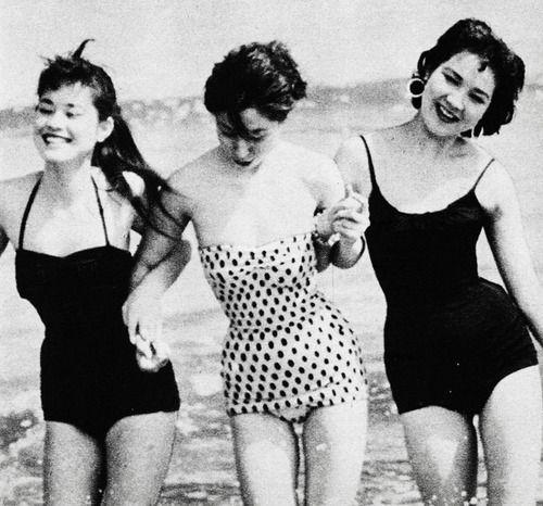 vintagegal:    Japanese models, 1956