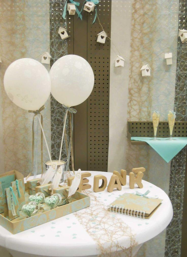 Huwelijk - Collectie 2016. Alles om je huwelijk op te fleuren: witte ballonnen, geschenkjes voor de genodigden, gastenboek, sizoweb om de tafel leuk aan te kleden... #AvaPapierwaren #AVA #Lintjes #Huwelijk #Trouwen #Liefde #Tafelbekleding