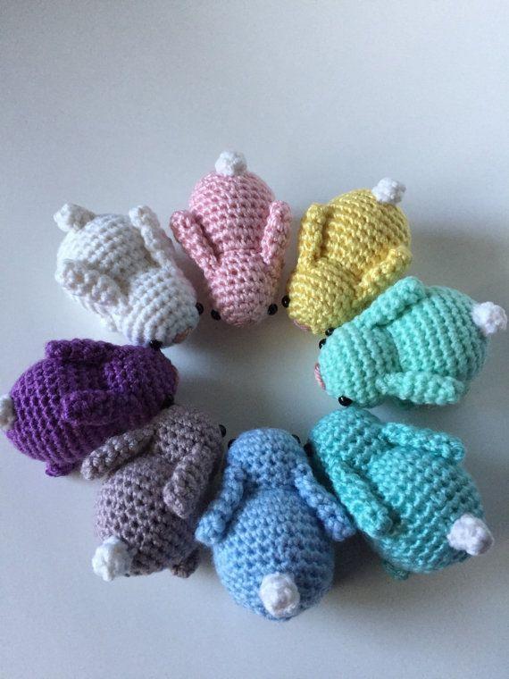 Diese kleine Hasen werden auf Bestellung gefertigt. Bitte erlauben Sie 2-3 Wochen zu machen, vor dem Versand. Dieses Angebot gilt für eine häkeln Baby Hase. Wenn Sie möchten, dass mehr als ein, erhöhen Sie die Menge (und geben Sie Farbe in der Drop-down-Bar). Eine Auswahl an Farben