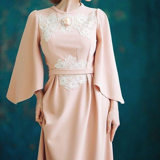 En çok elbise mi yoksa etek mi seviyorsunuz kızlar ? Yoruma yazın muhabbet edelim biraz (: ❤️ * * * #moda #stil #aşk #sevimli  #elbise #kırmızı #dantel #sanat #tesettür #tesettürmodasi #yelek #model #dikis #tesettürabiye #tesetturkap #salaş #etek #ceket #abiye  #fistan #kaban #abaya #skirt #hijab #tesettur #kaban #dress #dikdikevi #fırfır #detay #pili