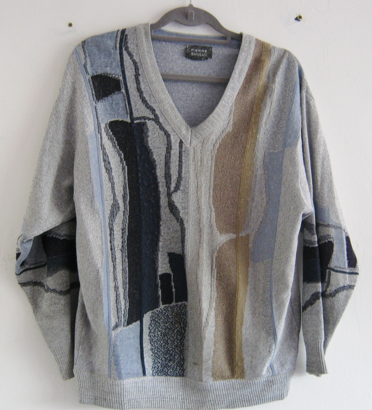 This vintage oversize jumper is available at Blackhouse Thriftage on Facebook, check it out! https://www.facebook.com/photo.php?fbid=390252121088848=pb.357110221069705.-2207520000.1369053510.=3