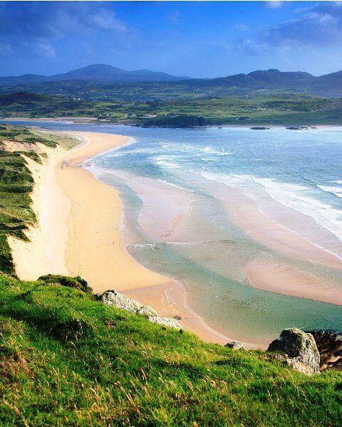 Portstewart Strand, é uma praia em Portstewart, condado de Londonderry, Irlanda do Norte, Reino Unido. É uma das 10 melhores atrações na Irlanda do Norte. É de propriedade e gerida pelo National Trust, uma praia Bandeira Azul em reconhecimento dos elevados padrões de gestão de praia e qualidade da água. Oficialmente designada como Área de Interesse Científico Especial e uma Área Especial de Conservação.