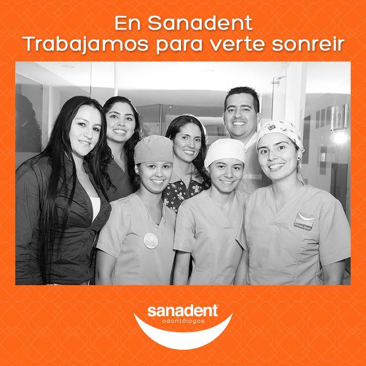 Profesionales preocupados por la salud oral de sus pacientes. Así somos en Sanadent, porque #amamosvertesonreír
