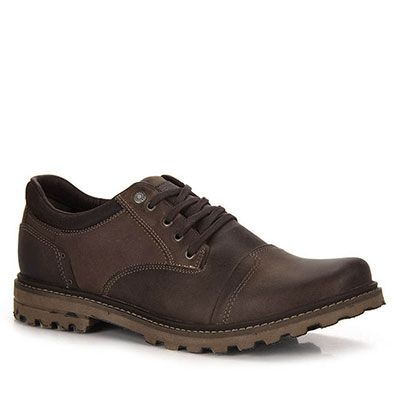 Sapato casual Freeway olden em couro. Traz amarra em cadarços para melhor calce. Oferece pespontos e recortes que detalham o modelo. Conta com forro em material têxtil, já a palmilha é em acolchoada.