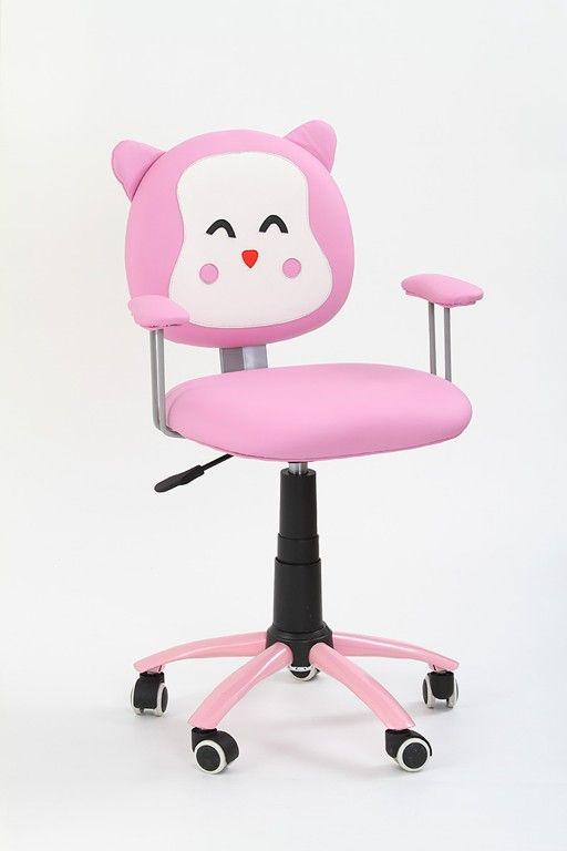 Kitty is een mooie in hoogte verstelbare bureaustoel speciaal ontwikkeld voor kinderen, deze bureaustoel is voorzien van armleuningen een een verchroomd stalen poot die aan de onderzijde is voorzien van kleine rubberen wieltjes die uw vloer beschermen tegen krassen. Deze bureaustoel is gemaakt van kunstleer uitgevoerd in de kleurencombinatie Roze / Wit, erg leuk voor een meisjeskamer!