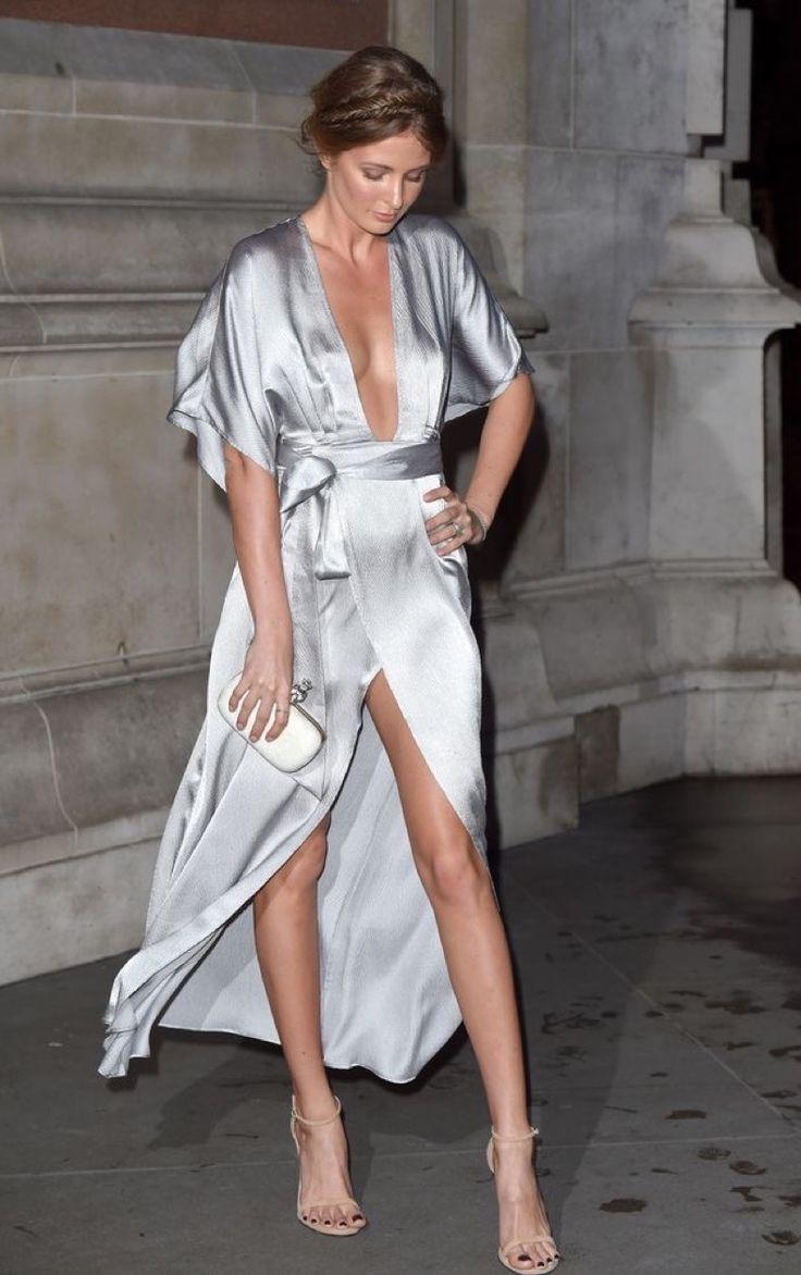 Prendas De Seda: Lo Más Cool Para Esta Época Y Que Hemos Visto En Todos Lados! in 2020 | Fashion, Dresses, Satin dresses