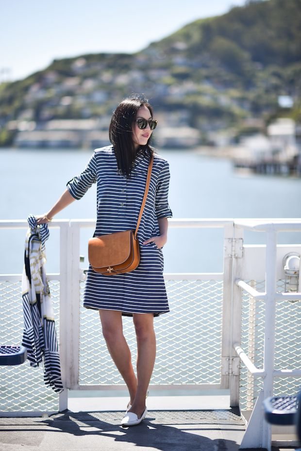 striped-outfit-crossbody-bag-2