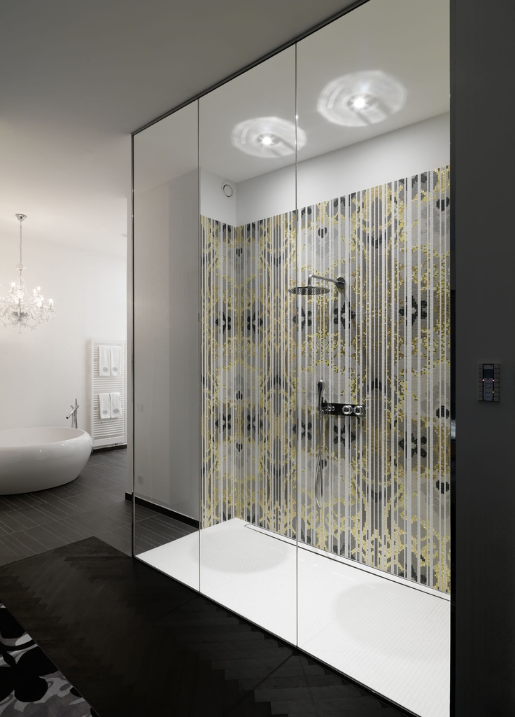 Queen Suite  Big bathroom with rain shower made of Bisazza Mosaic
