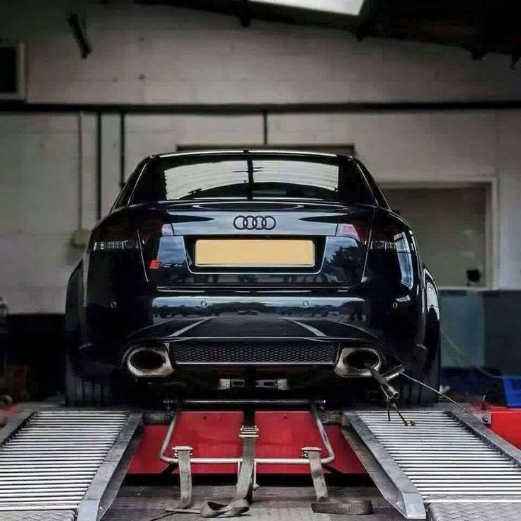 Phat-ass Audi RS4