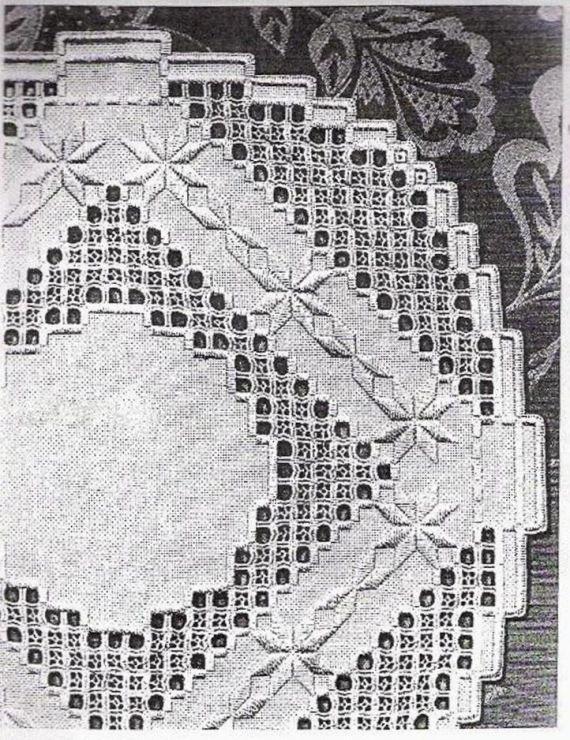 Gallery.ru / Фото #87 - Хардангер -скатерти, салфетки, схемы - lipa2010